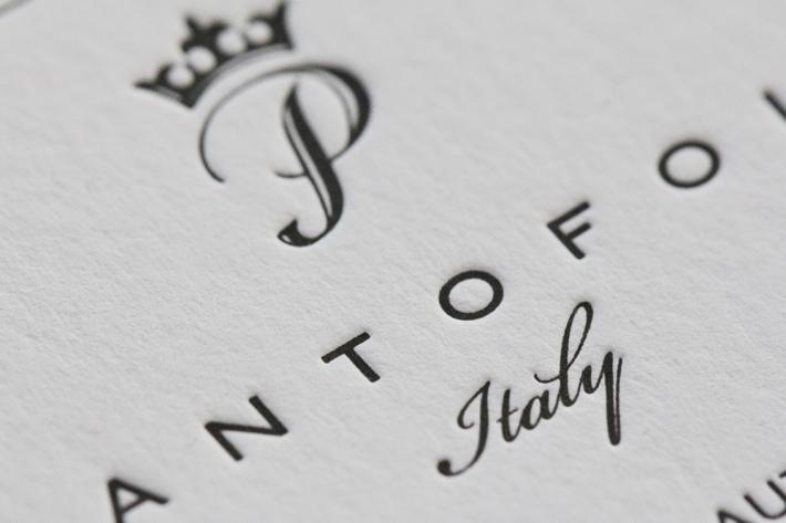 logo_embossed